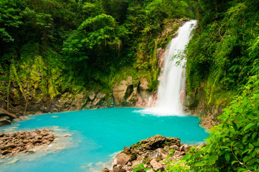 Countries that Love Older Women - Costa Rica