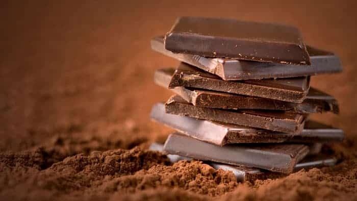 Happy Foods - Eat your way to happiness: Lighten your mood with dark chocolate