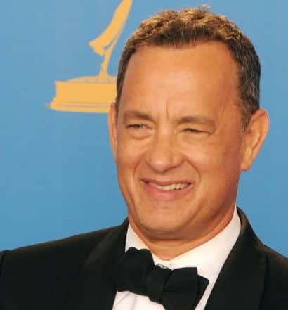 Boomerly.com---Tom-Hanks-Reminds-Us-that-Random-Acts-of-Kindness-Matter