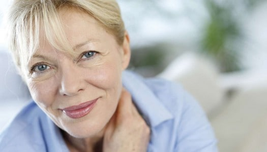 Fall Makeup Tips for Older Women: How to Use Navy and Green (Video)