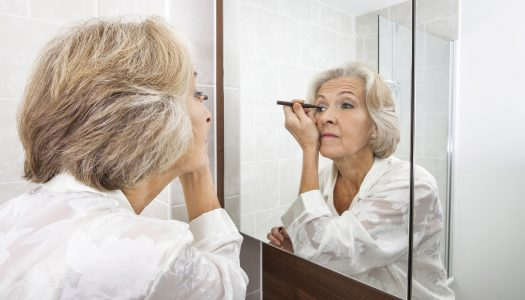 What's the Best Eye Makeup for Mature Women? We Have Answers!