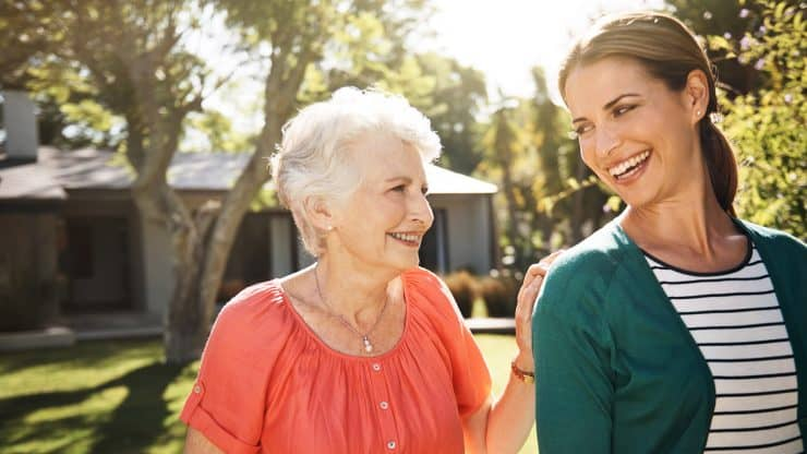 Retirees-and-College-Students-Living-Together