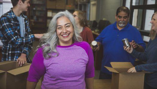 7 Great Reasons to Volunteer Overseas Over 60
