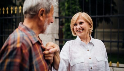 Mature Dating Tips: 5 First Date Questions… and 5 Topics to Avoid!