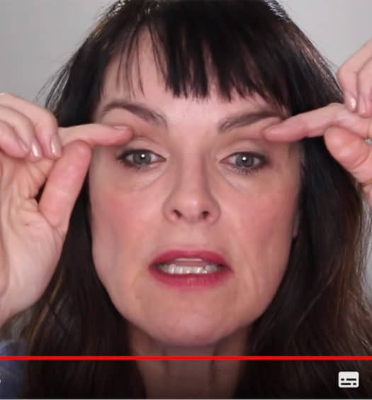 How to Make-Up Hooded Lids: The Senior Woman's Guide to a Stunning Eye