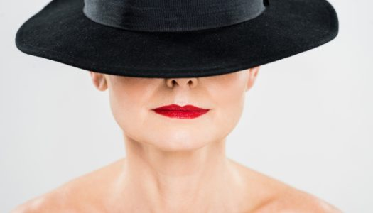 """""""Help! I've Eaten a Tube of Lipstick!"""" 4 Techniques to Keep Your Lipstick Stay ON"""