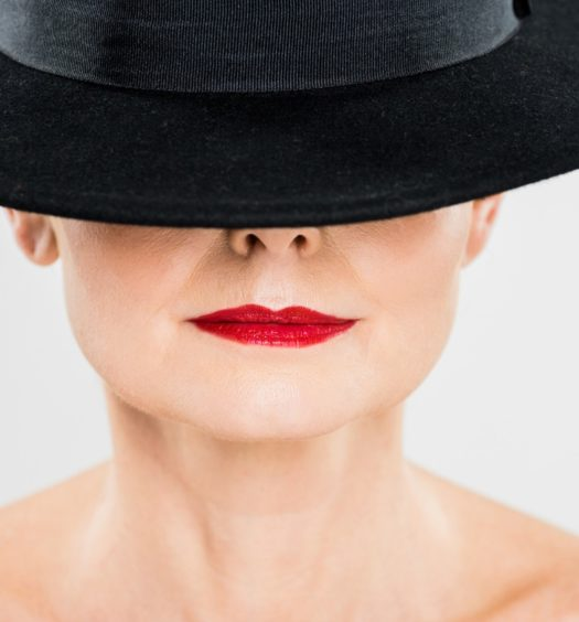Techniques to Keep Your Lipstick Stay ON
